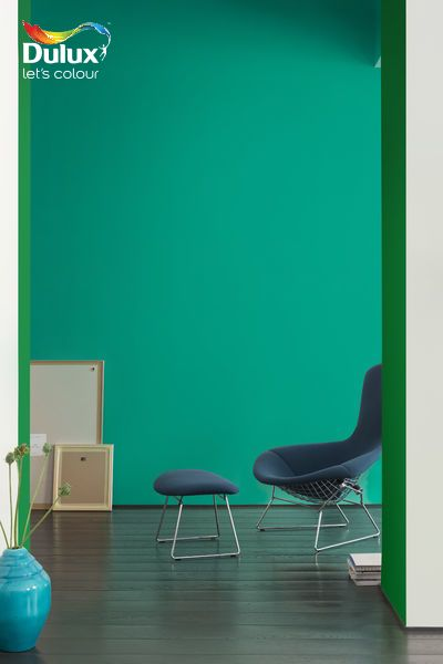 Green for drama! Capture the view from one room to another by contrasting teal green with vibrant grass green for a #modern #doorway. #GetTheLook >> http://www.dulux.co.za/en/inspiration/frame-your-room-with-surprising-colour