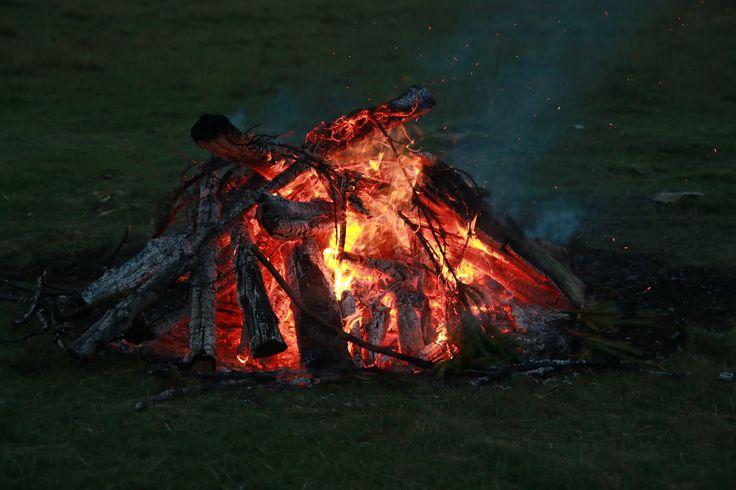 Foc de tabără, Pastel Chalet - vacanța cu familia în Munții Ciucaș