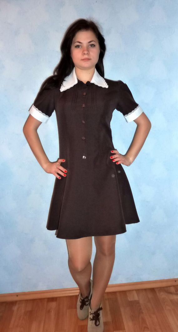 Ретро коллекция школьной формы. Платья и фартуки для девочки школьной формы СССР на последний звонок и школьный выпускной.