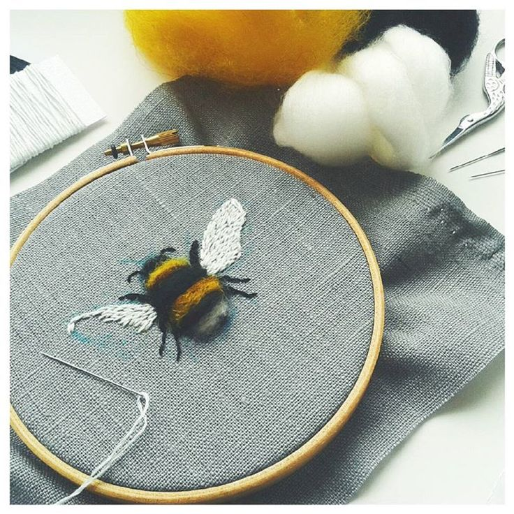 Best 25 Bee Embroidery Ideas On Pinterest