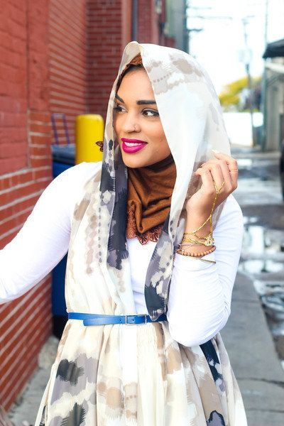 Tuck a headscarf into a belt to elongate your torso. | 23 Seriously Beautiful Hijab Styles To Try