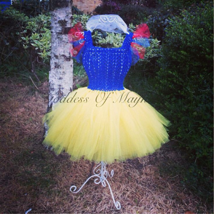 Snow White inspired tutu dress.