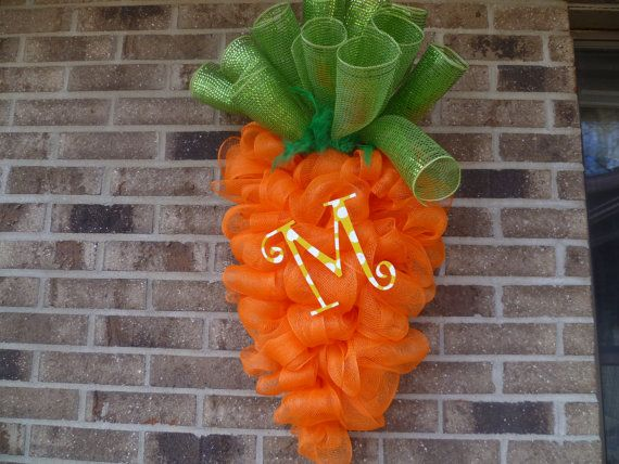 Every Bunny needs a Carrot by LollyDotsBoutique on Etsy, $55.00: Easter Idea, Easter Carrots, Doors Hangers, Carrots Doors, Holidays East, Front Doors, Doors Decoration, Easter Wreaths, Carrots Wreaths