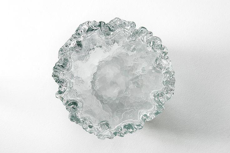 tokujin yoshioka fountain tables glas italia issey miyake milan design week designboom