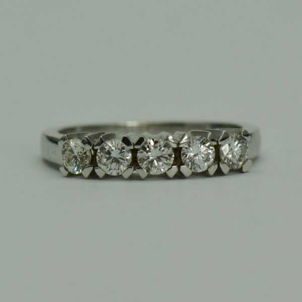 Inel aur 18k cu diamante