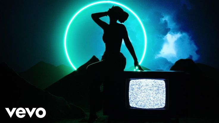 Iggy Azalea - Savior (Lyric Video) ft. Quavo - YouTube