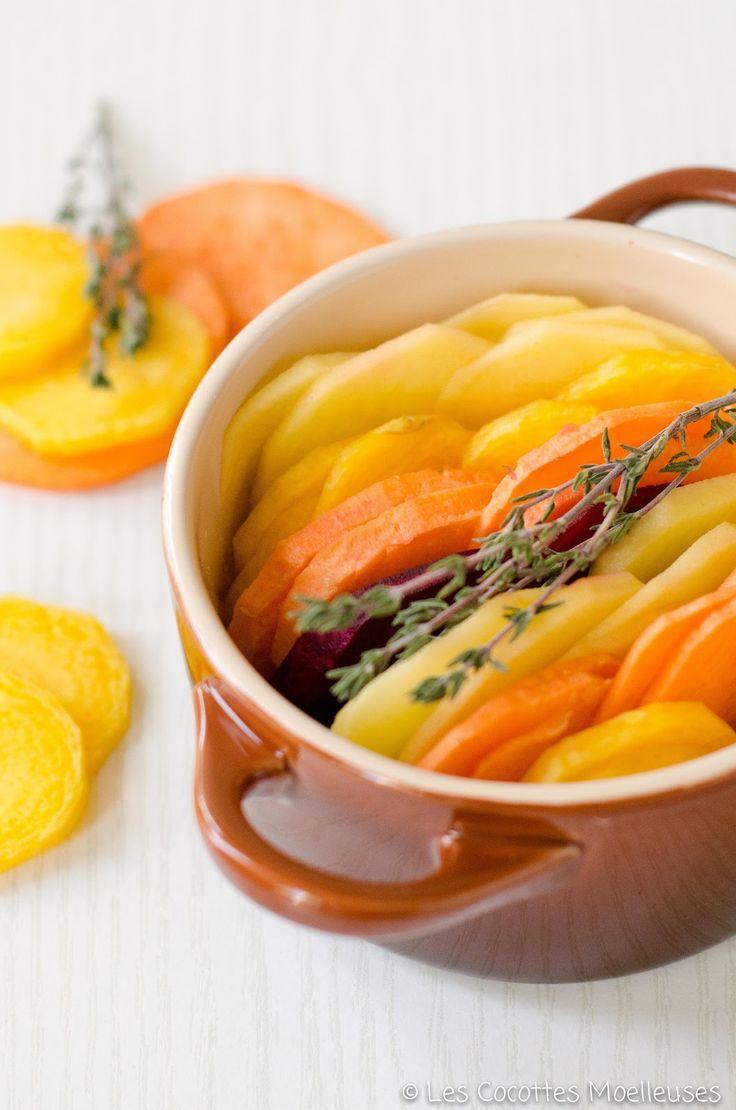 Voici une recette très colorée : un gratin réalisé avec des pommes de terre, des patates douces, des carottes jaunes et des betteraves ! Ce...