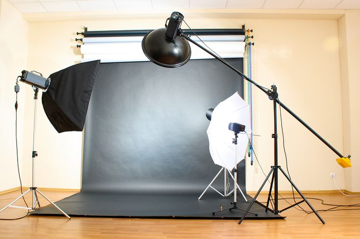 Yastremska  Creating a home photography studio may seem like an expensive venture, not  to mention an overwhelming one. Where do you start? What do you need? And  will it be professional enough? But if you go the DIY route, you can create  a fully-functional studio for much less than you might think.  There are countless ways to save on backdrops, stands, and light modifiers,  if you're willing to build them yourself. You can also shop for deals, or  buy used equipment like umbrellas and…