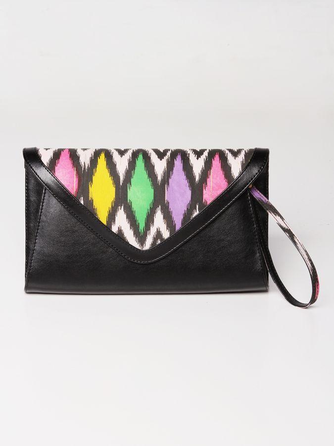 Chamomile Songket Clutch Bag #clutchbag #taspesta #handbag #fauxleather #kulit #tenun #songket #kombinasi #envelope #amplop #fashionable #simple #elegant #stylish #color #pink  Kindly visit our website : www.bagquire.com
