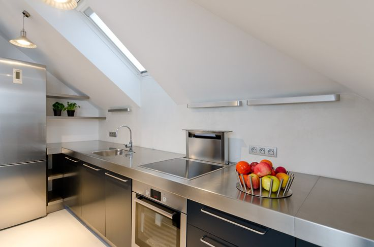 OOOOX | NAD VODOVODEM - stainless steel kitchen with sliding hood