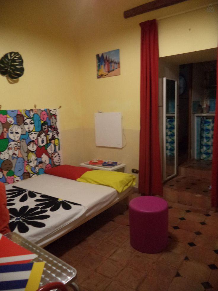Dai un'occhiata a questo fantastico annuncio su Airbnb:  MONOLOCALE NEL CENTRO STORICO a Salerno