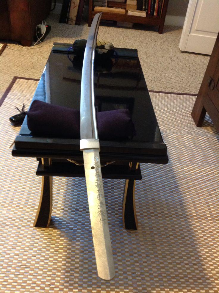 SHINSAKUTO KATANA MEI-HIGO NO KUNI JU AKAMATSU TARO KANEHIRO SAKU. From the collection of David W. Easley Made in March 2003 Nagasa length is 76cm (29.921 inches) over all 110cm (43.307) Katana signed Tachi-Mei: Heisei San Nen San Gatsu Kichi Jitsu.