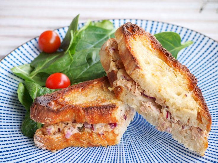 Recipe Tuna Melt Sandwich   Recept tuna melt broodjes