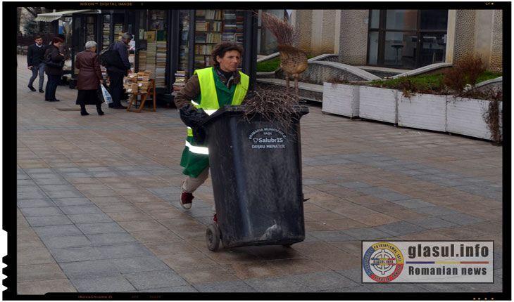 Tragem apa la Bucuresti si facem plata la Paris. Dar pentru gunoiul ridicat de Salubris oare unde vom plati? Cu toate ca si in trecut s-a mai dezbatut daca trebuie sau nu privatizat serviciul public asigurat de catre Salubris IASI, de aceasta data se pare ca privatizarea societatii este cu adevarat iminenta, urmand ca locuitorii…