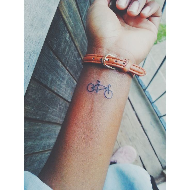 Pretty little bicycle tattoo | Just maybe.... | Tatuajes bicicletas, Bicicletas y Tatuajes