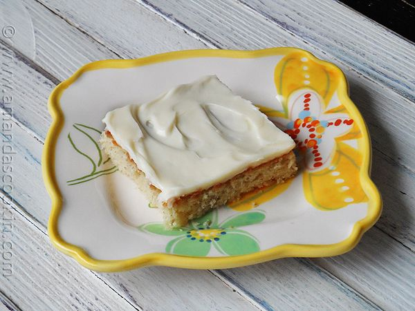 Banana Bars with Vanilla Cream Cheese Frosting - Amanda's Cookin' (PTE)