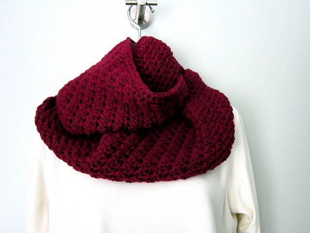 Ravelry: Sedgy Cowl and Ear Warmer pattern by Carol Wolf ...