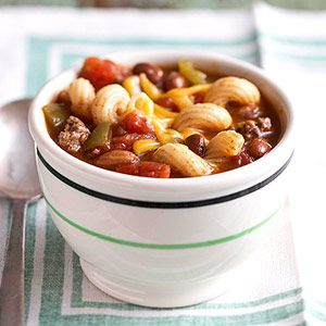 Tried-and-True Chili Mac - Make your chili with Joan of Arc beans to add protein to your plate | joanofarc.com #chili #macncheese #joanofarc #sidedish