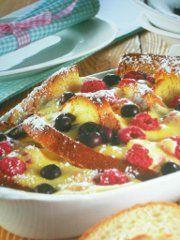 Ricetta facile e veloce: Gratin ai frutti di bosco.Preparazione: 20′ Cottura: 30′ Esecuzione: facile Imburra una pirofile e infarinala leggermente
