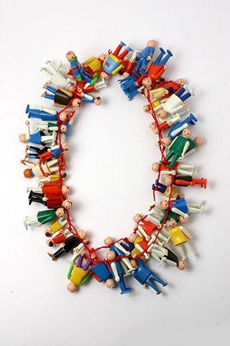 Lisa Walker, Necklace Playmobil