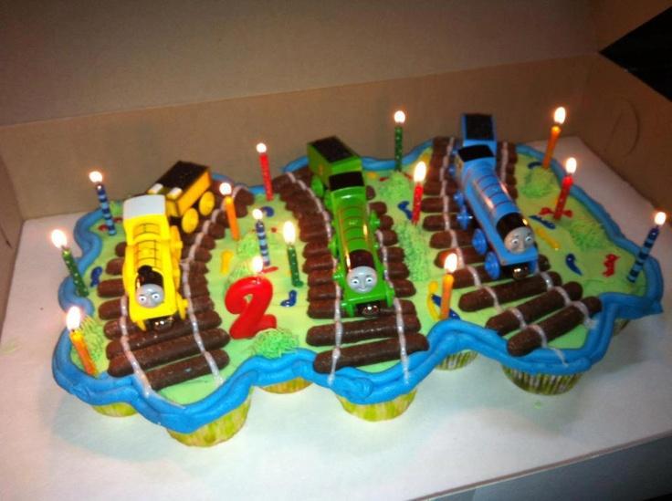 Best Train Cake Designs