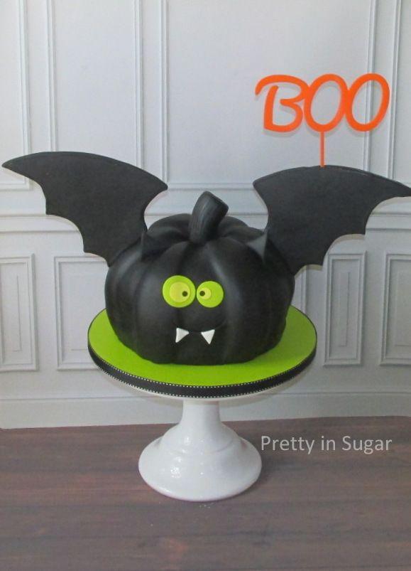 Bat Pumpkin Cake | Halloween cake