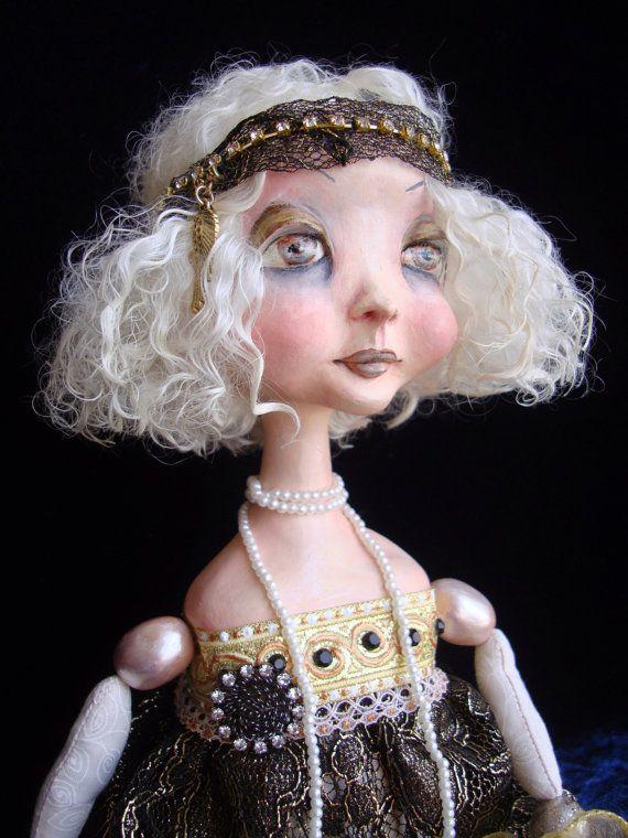 """OOAK Boudoir Doll """"Daizy"""", flapper girl, Gatsby style, art doll, gift idea, interior item, art deco, roaring twenties on Etsy Кукла находится в частной коллекции и проживает во Франции.   Дэйзи - моя самая первая подвижная кукла. Историю её создания читайте здесь:   https://sites.google.com/site/dreamtrainofdolls/my-dolls/-come-to-my-boudoir-jump-to-my-jaguar/dejzi"""