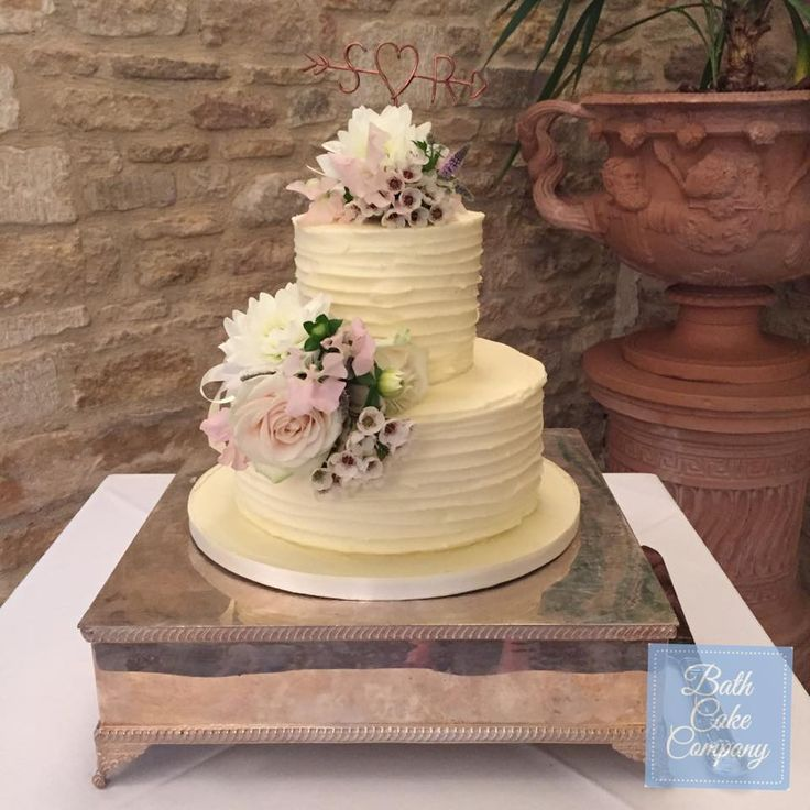 Rustic Wedding Cake With Fresh Flowers