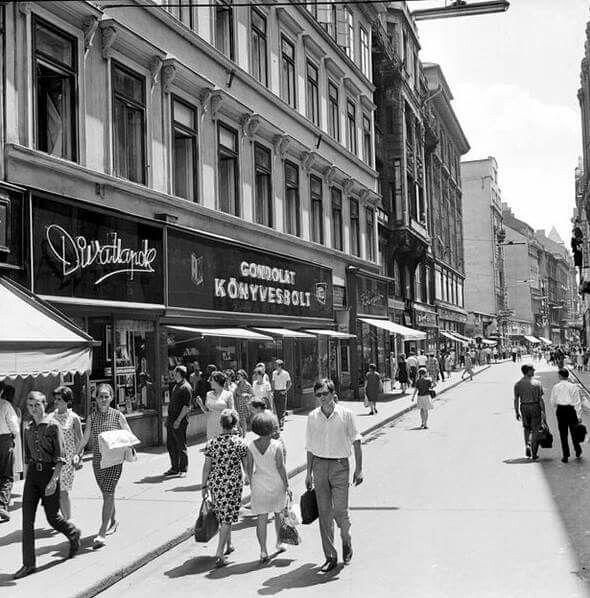 1970 körül. Váci utca.