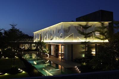 Issi Villa, Seminyak by Budi Pradono Architects
