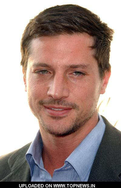 Simon Rex. Okay, so I found him on Vine. WHATEVER! He's older but he has gorgeous eyes! Really like his nose too, for some reason...
