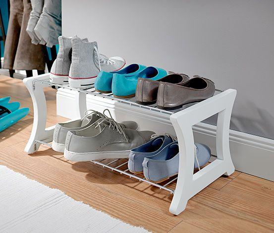 Półka na buty. Lakierowane lite drewno i chromowana stal. Na ok. 6 par butów. Silikonowe stopki chronią podłogę. #tchibo