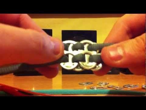 ▶ Como hacer una original pulsera con cordones y chapas - Manualidades - YouTube