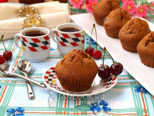 Фото кофейных кексов с вишней