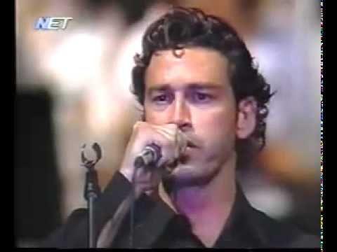 ▶ Marios Frangoulis.10may2010. - YouTube Long hair!