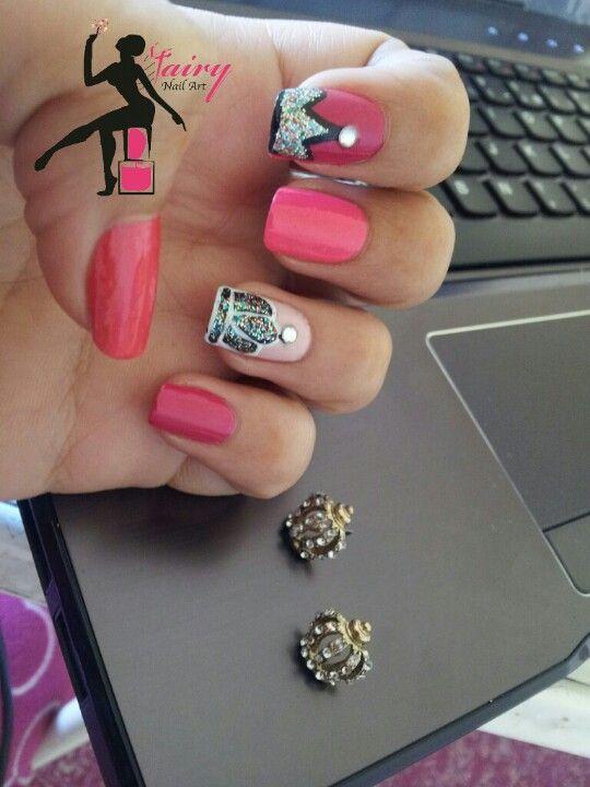 crown nail art