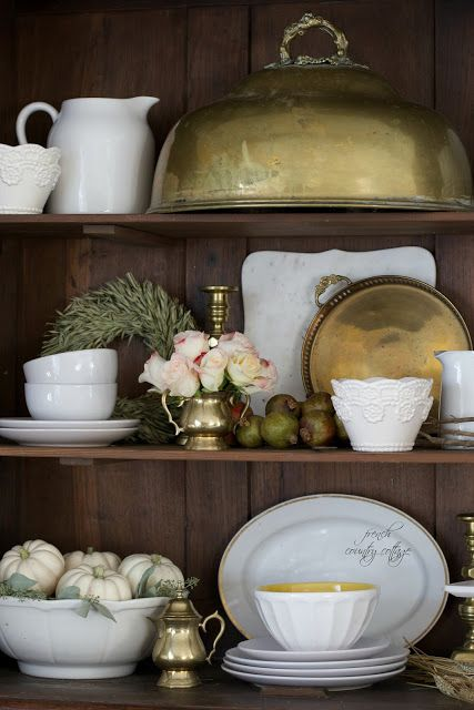 12 of the easiest ideas for creating a simple autumn vignette - The other day I ran around like a crazy woman. Moving pumpkins and pinecones and gold candl...