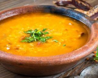 Soupe de lentilles corail : http://www.fourchette-et-bikini.fr/recettes/recettes-minceur/soupe-de-lentilles-corail-carotte-par-mon-coaching-minceur.html