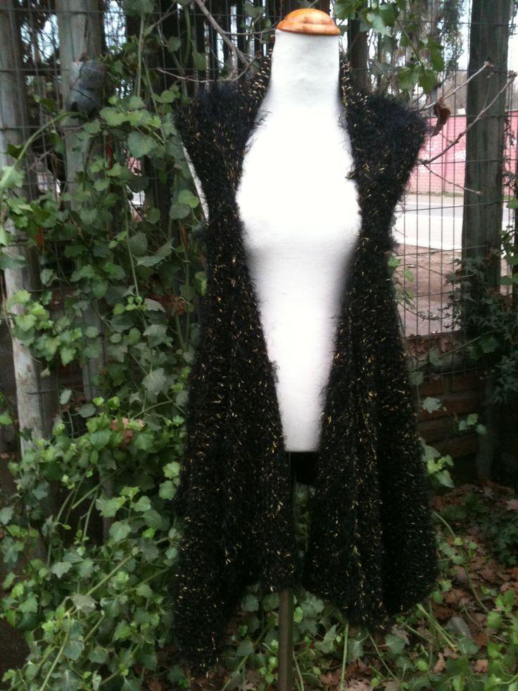 Chaqueta a telar bastidor de lana de fantasía negro con dorado! $35.000 Búscame en Facebook por Fieltros Cristi Almazán