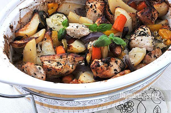 Piersi z kurczaka pieczone z warzywami