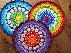 An easy and fun pattern to make a mandala. You can make it from cotton and use…
