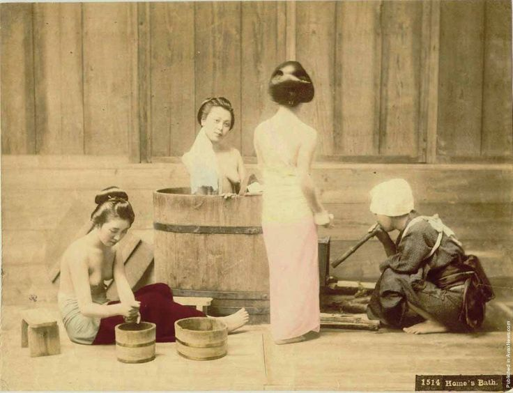 Woman Bathing - Japan 130 Years Ago. Photos By Kusakabe Kimbei