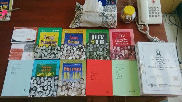 Seri Buku Kecil bantuan dari Yayasan Spiritia Jakarta