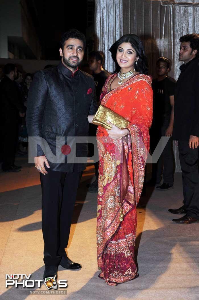 Wearing Saree In Pregnancy Google Search Pars Wedding