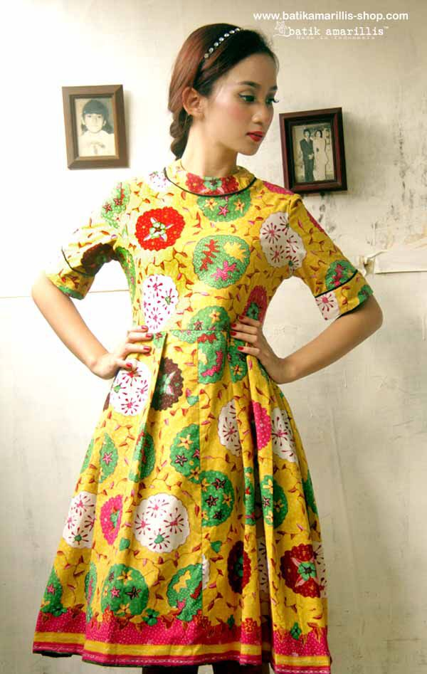 Batik Amarillis's it Girl! it's classy and classic dress.. it has flared and…