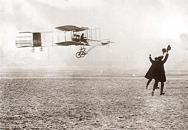 Wonderful 1909 image of the Farman Flying Machine in flight.