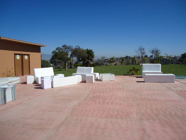 Salas Lounge  al aire libre en Jardin de Fiestas Calypso Gardens