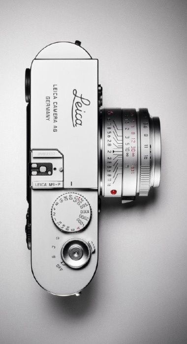 Leica. It just looks so well made. And so good at the same time.