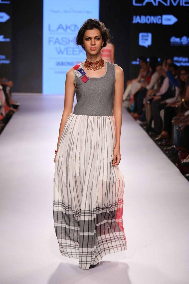 Lakme Fashion Week Summer/Resort 2015- Day 2- Show1- Indian Designers- Mayank Anand & Shraddha Nigan #lakmefashionweek #indianfashionshow #indianfashion #mayankanand&shraddhanigan #day2 #show1 #grey #silver #longdress #indian #white #stripes