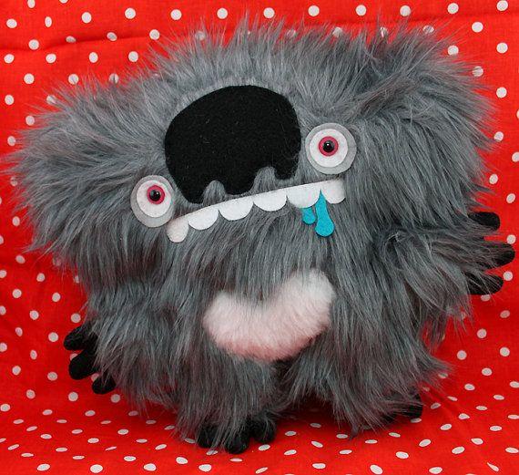 Adorable drop bear! <3 Koala Love